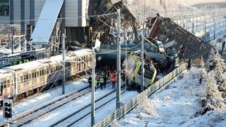 FOTO: Tabrakan Kereta di Turki Merenggut Tujuh Nyawa