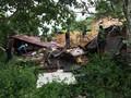 Tim SAR Bawa Alat Seadanya Evakuasi Korban Longsor Sukabumi