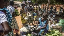 Bawa Jagung Dapat Ikan di Pasar Barter Togoville
