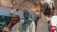 Sepotong Cerita Maladewa pada Helai Kain Pelangi Asmara