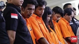 Detik-Detik Pengeroyokan Anggota TNI oleh Juru Parkir