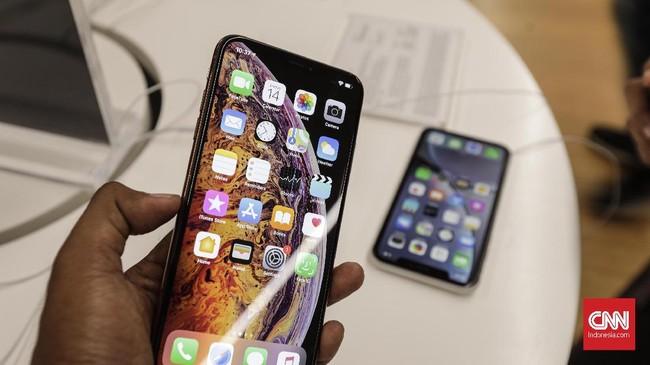 Selain dipasarkan lewat toko-toko jaringan Erajaya, ketiga iPhone baru sebelumnya juga sudah bisa dipesan daring pada 7 Desember lalu. (CNNIndonesia/Adhi Wicaksono)