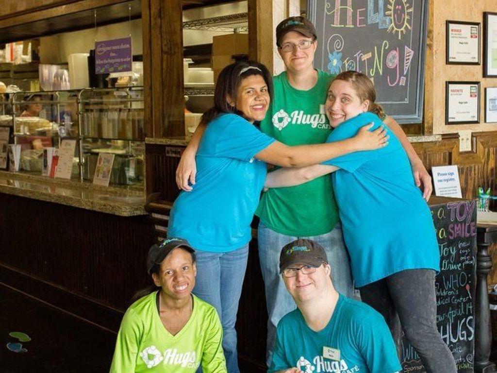 Luar Biasa! 5 Restoran Ini Pekerjakan Penyandang Disabilitas