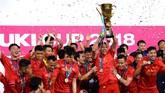 Vietnam menjadi juara Piala AFF 2018 setelah menang agregat 3-2, di final pertama di kandang Malaysia kedua tim bermain imbang 2-2.Ini gelar kedua bagi Vietnam setelah 10 tahun silam usai mengalahkan Thailand dengan kemenangan agregat 3-2 pada 2008. (Photo by Nhac NGUYEN / AFP)
