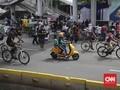 Sepeda Listrik Migo Bebas Berkeliaran di Car Free Day Jakarta