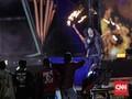 Slank Dikelilingi Perempuan dalam Konser 35 Tahun