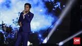 Chakra Khan juga tampil di HUT 17 Transmedia membawakan sejumlah lagu. (CNN Indonesia/Adhi Wicaksono)