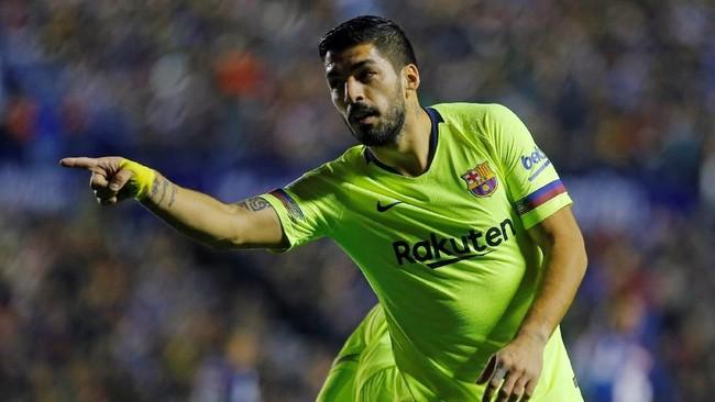 Setelah kesulitan membobol gawang Levante, Barcelona akhirnya memecah kebuntuan lewat gol Luis Suarez di menit ke-35. (REUTERS/Heino Kalis)