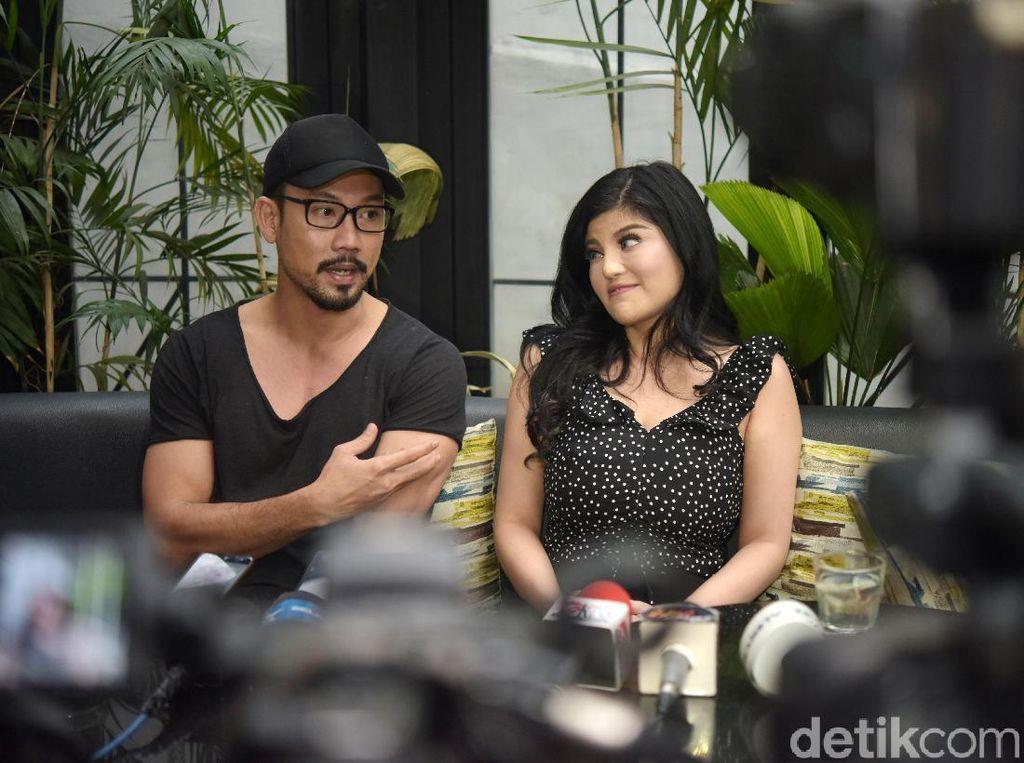 Melihat Gestur Denny Sumargo dan Dita Soedarjo yang Batal Nikah