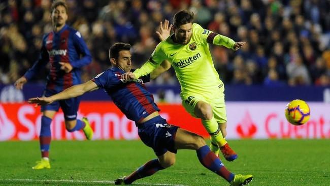 Barcelona bertandang ke markas Levante, Ciutat de Valencia dalam lanjutan Liga Spanyol. (REUTERS/Heino Kalis)