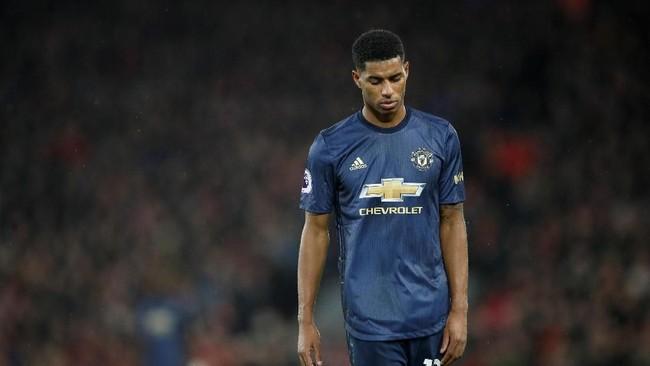 Kekalahan tersebut membuat Manchester United makin jauh tertinggal dalam perburuan titel Liga Inggris. Manchester United saat ini ada di posisi keenam dengan selisih 19 angka dari Liverpool di puncak klasemen. (Reuters/Carl Recine)