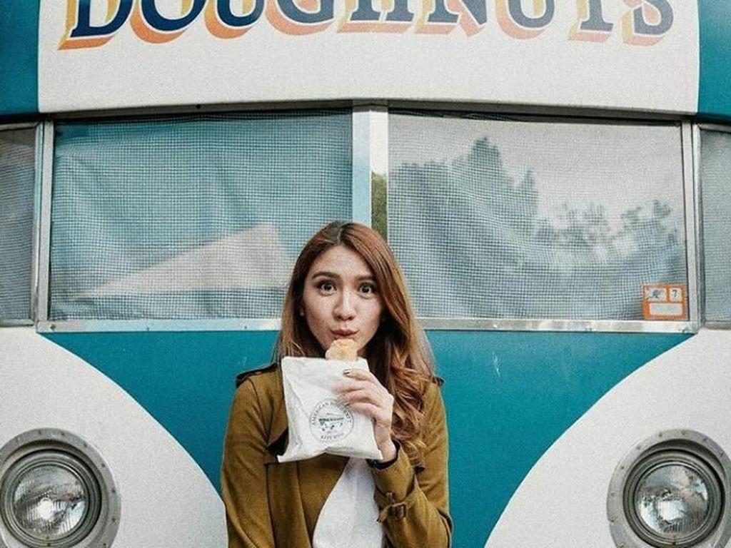 10 Momen Kulineran Si Cantik Acha Sinaga di Australia