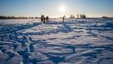 Yakutsk, kota di wilayah timur laut Siberia, dikenal sebagai salah satu wilayah terbesar Rusia dan wilayah terdingin di Bumi. Saat musim dingin tiba, kota ini diserang suhu udara yang lebih dingin daripada umumnya. (Photo by Mladen ANTONOV/AFP)