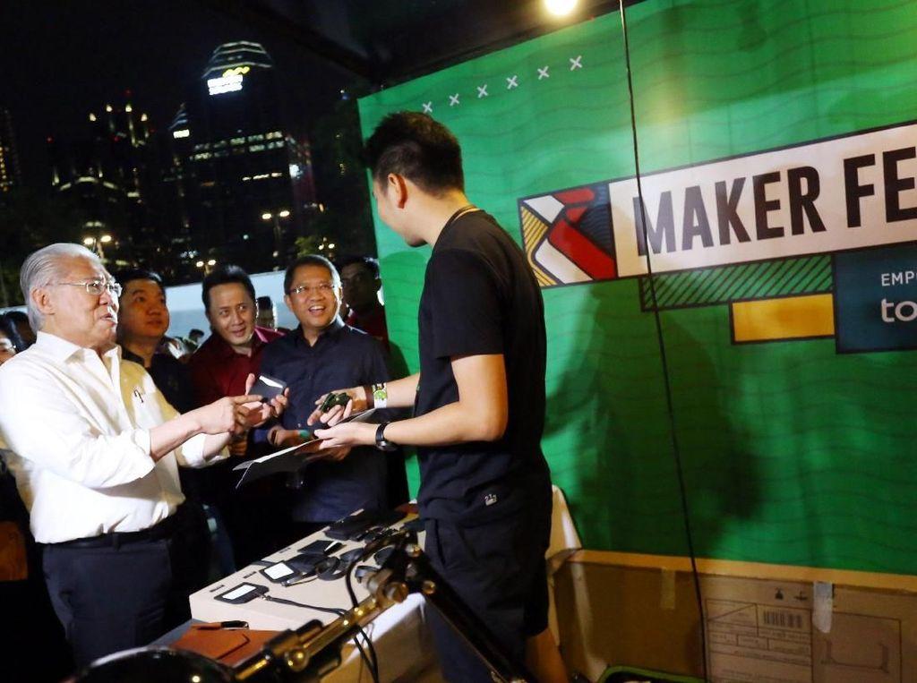 Berkolaborasi dengan Tokopedia dan didukung oleh institusi-institusi pemerintahan sekaligus pelaku industri Indonesia, MAKERFEST menjadi panggung online dan offline bagi kreator muda lokal untuk mengembangkan ide usaha kreatif agar semakin banyak lahir brand-brand masa depan Indonesia. Foto: dok. Makerfest