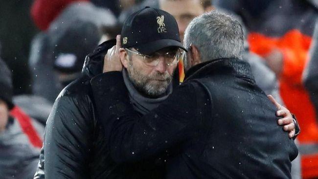 Mourinho Dipecat Man United, Klopp Tetap Beri Respek
