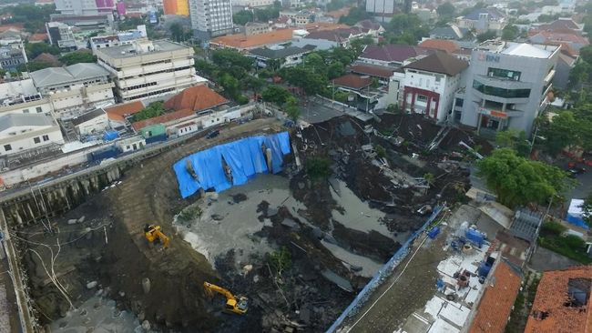 PN Surabaya Agendakan Sidang di Jalan Gubeng yang Amblas
