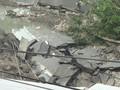 VIDEO: Rumah Warga Rusak Akibat Jalan Gubeng Amblas