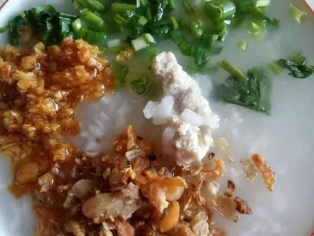 Bubur Daging yang Gurih Lembut Untuk Penghangat Perut di Pagi Hari