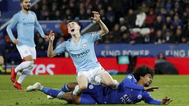Manchester City menurunkan komposisi gabungan pemain bintang dengan pemain muda macam Phil Foden. (Reuters/John Sibley)