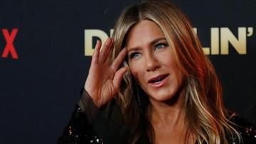 Masuk Usia 51 Tahun Jennifer Aniston Makin Mempesona