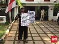 Pria Jalan Kaki Tegal-Jakarta Temui Prabowo