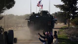 Warga Kurdi Lempari Tentara AS dengan Kentang