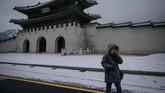 Di kota Seoul, musim dingin bisa bersuhu hingga -12 C. Di kawasan Gangwondo, lokasi Olimpiade tahun ini, suhu terbilang paling dingin, bisa hingga -18 C.