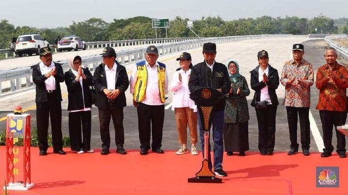 Jokowi telah membangun tol trans Jawa 616 km sepanjang pemerintahannya.