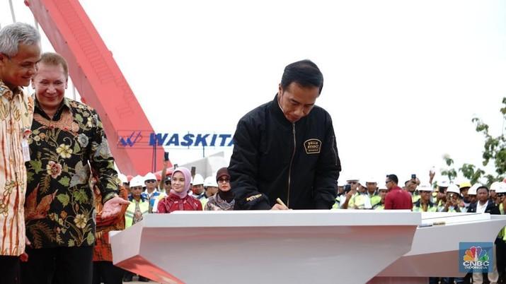 Jalan tol merupakan salah satu infrastruktur unggulan di era pemerintahan Presiden Joko Widodo (Jokowi).