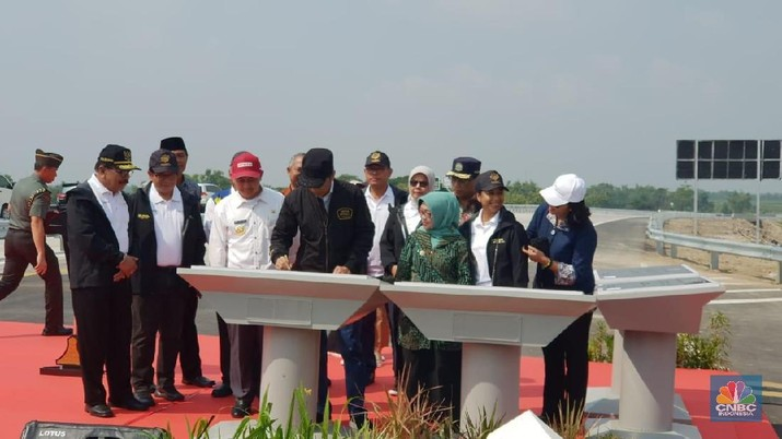 Ini merupakan titik pertama dari peresmian Tol Trans Jawa.
