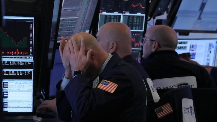 Wall Street kembali babak belur di hari kedua setelah bank sentral Amerika Serikat (AS) Federal Reserve menaikkan suku bunganya.