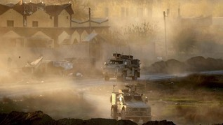 Ribuan Orang Keluar dari Pertahanan Terakhir ISIS di Suriah