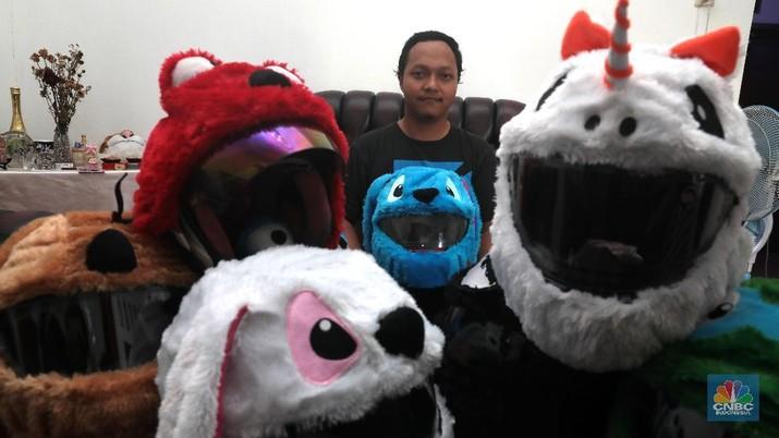 Helm Cover Elmo, dari Kado Pacar Sampai Jadi Bisnis Usaha