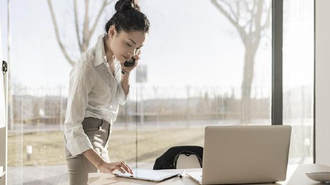 Survei: Wanita Butuh Kerja Lebih Keras dari Pria Agar Sukses