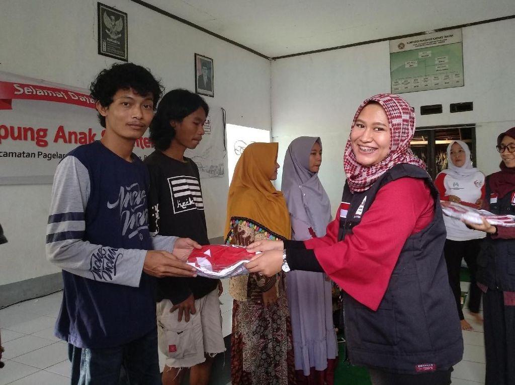Acara itu bekerjasama dengan Foodbank of Indonesia (FOI) dibawah yayasan lumbung pangan. untuk bisa mensosialisasi perihal kesehatan reproduksi remaja di wilayah tersebut. Foto: Kementerian PPA