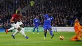 Sejumlah pemain yang pernah dicadangkan Jose Mourinho tampil gemilang, termasuk Anthony Martialyang sukses mencetak gol ketiga Manchester United ke gawang Cardiff. (Reuters/Craig)