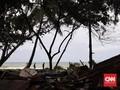 Menyusuri Kesuraman Pantai Barat Banten Usai Diamuk Tsunami