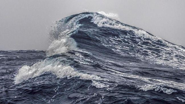 Korban Tewas Tsunami Selat Sunda Jadi 43 Orang, 584 Luka