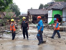 Jokowi Utus Mensos & Panglima ke Lokasi Tsunami Selat Sunda