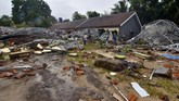 Kawasan yang diterjang tsunami adalah Cilegon, Pandeglang, Bandar Lampung dan Lampung Selatan. (Photo by Ronald / AFP)