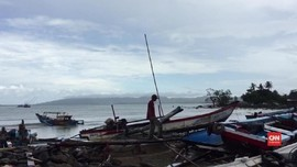 VIDEO: Warga Kecamatan Sumur Kekurangan Logistik Pascatsunami