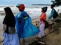 BMKG Minta Warga Jauhi Pantai Selat Sunda Radius 1 KM