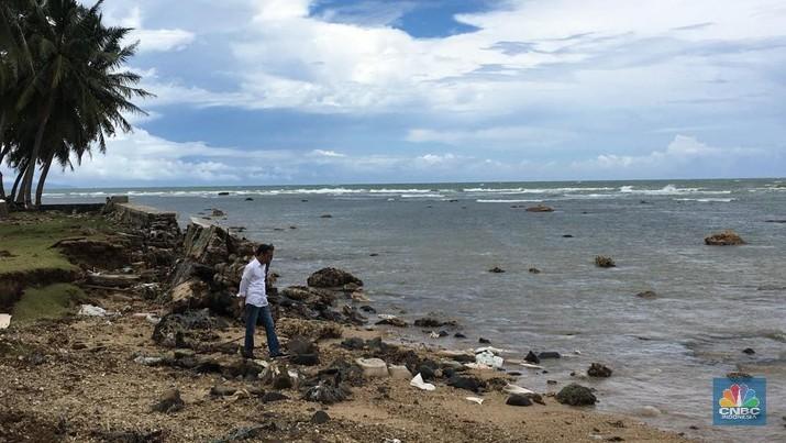 Jokowi Tinjau dan Kunjungi Korban Tsunami Selat Sunda