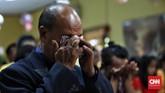 Ibadah yang dimulai sekitar pukul 16.00 WIB ini berlangsung haru di tengah duka akibat tsunami Selat Sunda pada Sabtu malam lalu. (CNN Indonesia/Hesti Rika)