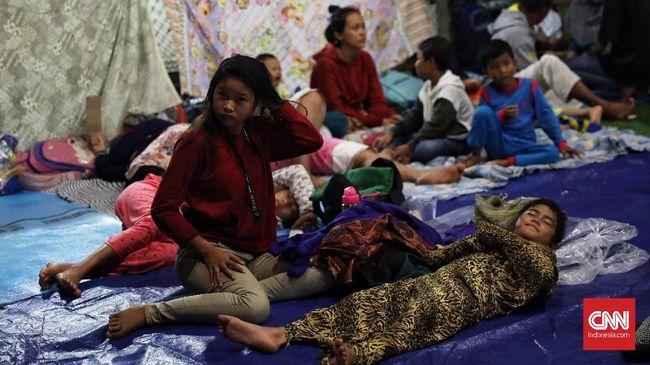 Isu Tsunami Susulan, Warga Pesisir Lampung Kembali Mengungsi