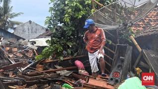 Listrik di Pantai Tanjung Jaya Banten Pulih Akhir Pekan Ini