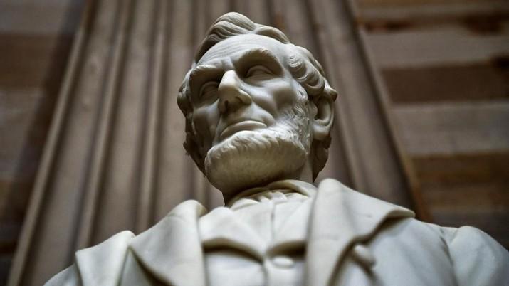 Kisah Surat Natal Abraham Lincoln yang Terjual Rp 870 Juta