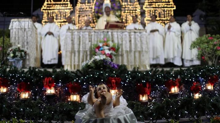 Dari Vatikan Sampai Irak, Khidmat Natal di Penjuru Dunia