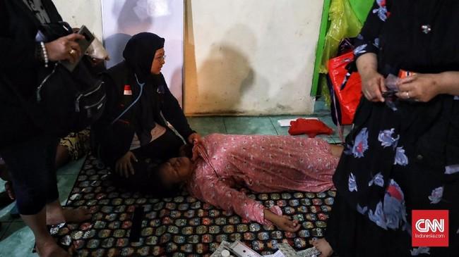 Ikatan Dokter Indonesia (IDI) menyatakan korban tsunami paling membutuhkan penanganan ortopedi atau bedah tulang dan trauma. (CNN Indonesia/Hesti Rika).