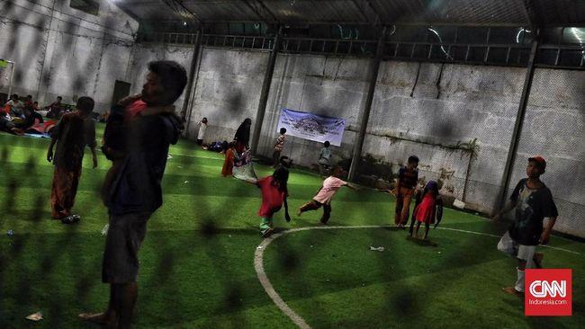 Mengikis Trauma Korban Tsunami Selat Sunda di Lapangan Futsal